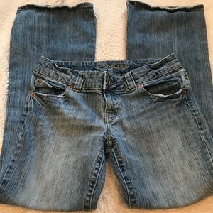 American Eagle Women's Jeans Buttoned Pockets Sz 8
